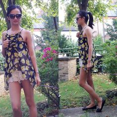floral top from #zara and shorts from #selectfashion #modaonthego