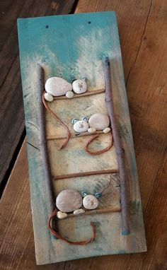 Pebbles are natures beads. They are all natural and you can get really creative … Pebbles are natures beads. Stone Crafts, Rock Crafts, Fun Crafts, Diy And Crafts, Crafts For Kids, Arts And Crafts, Beach Crafts, Crafts With Rocks, Seashell Crafts