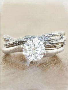 It's beautiful making your wedding band like actress branch especially if your an outdoor couple met outdoors or have an enchanted forest wedding a country barn wedding etc. just a lil extra of a lil somethings extra./ Comments:GEMJUNkiejewels