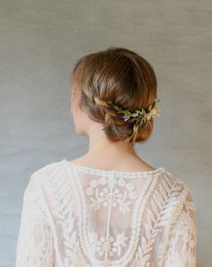 Boxwood and Lavender Bridal Hair Wreath. by ElevenSkiesStudio