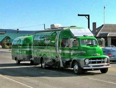 #Airstream i expect the muppets would cruise this.... #kermitthefrog
