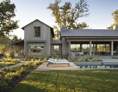 Modern Farmhouse Exterior, Farmhouse Style, Modern Barn House, Modern Pool House, Modern Ranch, Maine House, The Ranch, Patio, Cottage
