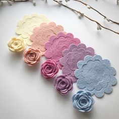 Chalky Medium scallop rose packsYou will receive 10 medium scallop roses in two of each colour pictured.You also have the option of adding 10 leafs to you pack.Flower colours include StrawBl...
