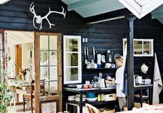 Outdoor kitchen photographed by Stuart McIntyre via kmldesign.dk