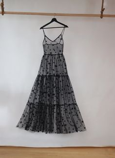 2019 Women Elegant Pink Star Sequined Dress Sexy Spaghetti Strap Transparent Mesh Dress Princess Tulle Party Dress Size M Color Black Mesh Dress, Dress Up, Silk Dress, Sewing Dress, Pretty Dresses, Beautiful Dresses, Looks Party, Black Tees, Minimal Chic
