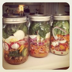 Salad in a mason jar, this is an awesome idea for work week lunches!