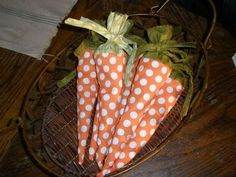 Easter - fabric carrots filled with candy