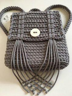 Crochet Backpack Pattern, Bag Pattern Free, Crochet Handbags, Crochet Purses, Handmade Handbags, Handmade Bags, Crochet Gifts, Cute Crochet, Crochet Animal Hats