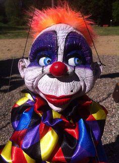 marionette big Clown 2 EDA puppet artist street televariete