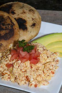 Perico Venezolano (Venezuelan Scrambled Eggs)