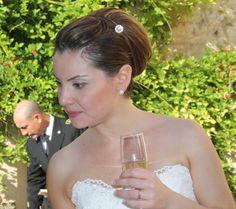 Trucco e parrucco della sposa per un matrimonio in uniforme classico