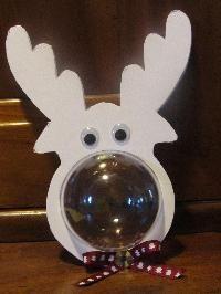 Tête de renne (une boule, du carton plume) ...