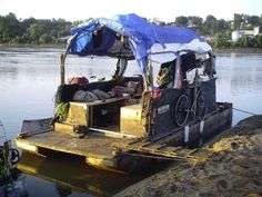 Construction of plywood pontoons and longtail boat engines made of scrap metal. - My Life & My Adventures Make A Boat, Build Your Own Boat, Diy Boat, Pontoon Houseboat, Pontoon Boat Accessories, Sailing Lessons, My Adventure Book, Shanty Boat, Boat Insurance