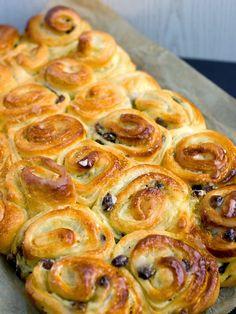 Pradobroty: Chinois - francouzský máslový koláč Finger Food, Sprouts, Shrimp, Sausage, Food And Drink, Sweets, Vegetables, Brunch, Drinks