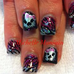 i don't like the skulls, but i love the other nails!