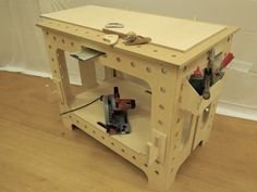 My new folding workbench - I'm after some feedback!