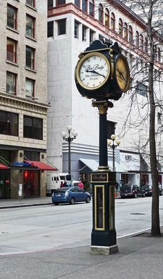 Ben Bridge Jewelers in Seattle