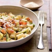 spring minestrone pasta with crispy bacon