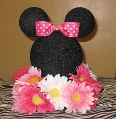 Minnie Mouse Themed Birthday Party: Cute DIY Faux Floral Minnie Mouse Pink, Black, and White Centerpiece Decor Baby 1st Birthday, Mickey Mouse Birthday, Mickey Minnie Mouse, First Birthday Parties, Birthday Ideas, Minnie Mouse Theme Party, Minnie Mouse Baby Shower, Mickey Party, Birthday Centerpieces