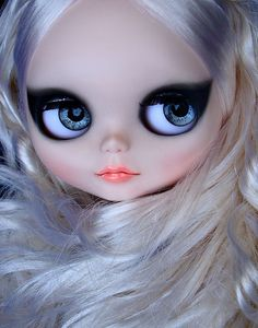 Blythe Factory custom para Maria Ignez by ***MADAME MIX***, via Flickr