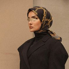 Modern Hijab Fashion, Street Hijab Fashion, Muslim Women Fashion, Modest Fashion, Fashion Outfits, Selfies, Beautiful Hijab, Beautiful Outfits, Hijab Collection