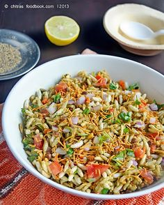 BHEL PURI Most loved snack. Easy to make Puri Recipes, Veggie Recipes, Indian Food Recipes, Snack Recipes, Cooking Recipes, Veggie Food, Cooking Tips, Bhel Recipe, Kitchens