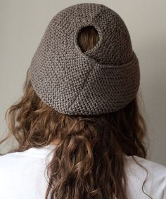 e27759330251b Ponytail cold weather hat Knitting Stitches