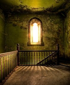 abandoned places are eerily beautiful :)
