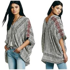 Pre-owned Free People Tribal Beat Poncho Small Tunic ($120) ❤ liked on Polyvore