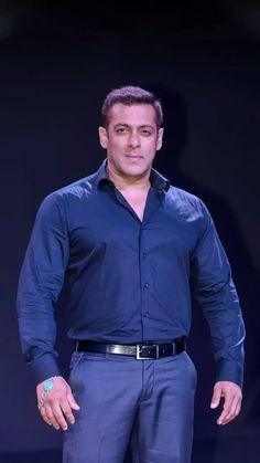 Salman Khan Photo, Shahrukh Khan, Most Handsome Men, Kpop Outfits, Bollywood Celebrities, Actors, Shirt Dress, Big Big, Mens Tops
