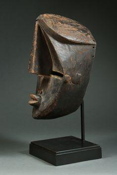 Lwalwa Mvondo Mask, DR Congo