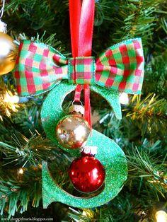 """DIY: Glittered Monogram Ornament ... via this blog, """"Shopgirl""""."""