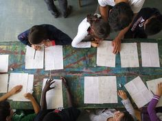 Laboratori gratuiti per bambini e bambine dalla terza elementare tenuti da Rocco Lombardi al MAR di Ravenna. www.komikazenfestival.org