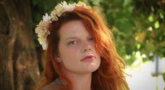 #fleur #fleurs #mariage #medieval #fée #féerique #faërie #artisanat #faitmain #offrir #festival #fraicheur #rose #tulipe #multicolore #vert #bleu #orange #été #printemps #hivers #automne #saison #marguerite #jaune #blanc #magie #nature #ocean #foret #bois #magie #disney #art #artiste #floral #mariage #couple #fille #femme #amour #love #cheveux #coiffure #original #ancien #champs #conte #princesse #lady #faitmain #fantastique #fantaisie #accessoire #boutique #freelance #vierge #pure #ruban