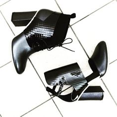 Winter Heels • Shield & Jenny in Black ✔️ Available from @zompshoez ➰  www.beaucoops.com #beaucoops #zompshoez #ZOMP #winter #monochrome #love