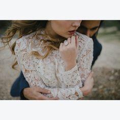 Llévame contigo!!!  @serafin_castillo  #immacle #brides  #novias #barcelona #mirrow  #atelier #dress  #brides #wedding  #sweet  #indie #hautecouture  #weddingdress #summer  #immaclenovias  #tocados #huge #canetdemar  #pics #designer #june #bodasBarcelona  #showroom  #altacostura #romantic #tbt  #vestidosdenovia #novia www.immacle.com ALTA COSTURA EN BARCELONA