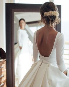 Wedding Gown - Buy Ball Gown Long Sleeve Backless Ivory Wedding Dresses Long Cheap Bridal Dresses in uk.Shop our beautiful collection of unique and convertible long Prom dresses from PromDress.me.uk,offers long bridesmaid dresses for women in the UK. Wedding Dresses 2018, Lace Wedding Dress, Classic Wedding Dress, Long Sleeve Wedding, Bridal Dresses, Ivory Wedding, Winter Wedding Dresses, Hair Wedding, Backless Wedding