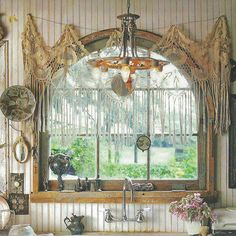 Bohemian Home Decor ~ Really Cool Bohemian Piece ~ Wish I could find a place where it's sold &/or a tutorial on how to make one! ~ ♥