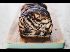 Jeruzsálemi kalács (Babka) - Lila füge: Havas Dóra - YouTube Baking And Pastry, Nigella, Dessert Recipes, Desserts, Muffin, Sweets, Bread, Cookies, Dishes