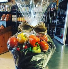 Give the #local gift of health . . Call the market at (519)733-9328 ask for Kathy and she will customize your gift basket. . . #teamleeandmarias #teamleeandmariaswellness