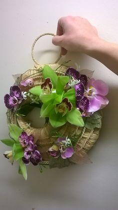 Sonya's created a circular floral bag this week
