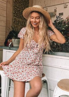 awesome summer outfit_hat and printed dress