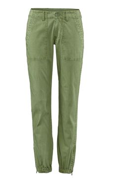 Discover cabi's Traveler Pant, an on-trend cropped pant with a cotton spandex sateen that you can wear for days.