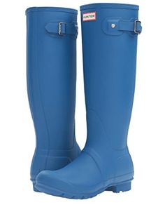 Hunter Original Tall Azure Rain Boot will be perfect in rain and snow. Tall enough to keep you try even in bad rain storms, these Women's Funky Rain Boots are exactly what we all need.