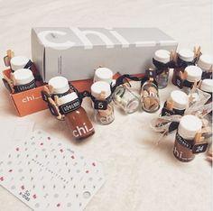 Der Dezember steht vor der Tür und du bist noch auf der Suche nach einem Last-Minute-Adventkalender? Wie wäre es mit ein wenig Upcyling mit unseren RINGANAchi_ _ Flaschen! Glücklicher Zufall: Unser Set bestehend aus 2 Packungen RINGANAchi_ _ beinhaltet genau 24 Flaschen :) #zerowaste #upcycling #adventkalender #xmasideas #xmas #weihnachten Superfood, Packaging, Place Card Holders, Last Minute, Natural Cosmetics, Creative Ideas, Searching, Bottles, Christmas