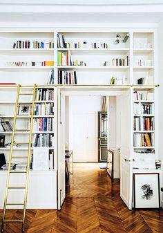 Jewelry Designer Gaia Repossi Paris Apartment Home Vogue (ladder bookcase bookshelves) Gaia Repossi, Library Ladder, Library Wall, Attic Rooms, Attic House, Attic Playroom, Attic Apartment, Attic Bathroom, Apartment Living