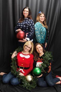 #holidayphotos #awkwardfamilyphoto @jvonsossan @cuveemarketing