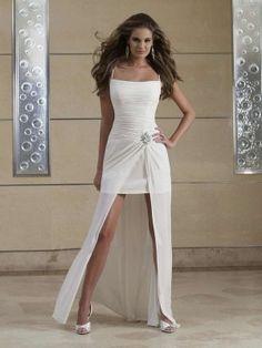 Best Sonderangebot Spaghetti Gefaltet kurz weiß Chiffon Beach Hochzeitskleid mit Träger und Perlen Abendkleider