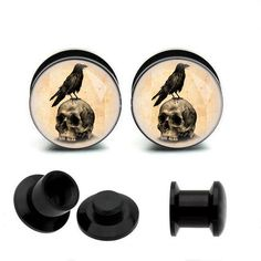 Hey, I found this really awesome Etsy listing at https://www.etsy.com/listing/184269242/vintage-skull-acrylic-piercing-ear-plug