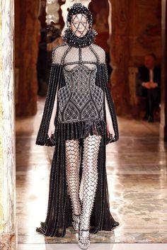 Alexander McQueen | Paris, A/W 2013-14 | Vogue.it